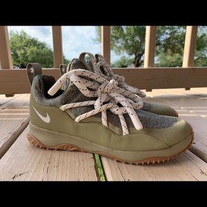 Women's Loop Shoes